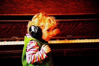 Junior Pianist  74215ccx