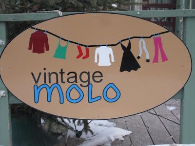 Vintage Molo