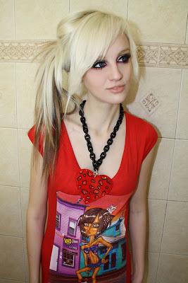 pretty scene girl red t-shirt