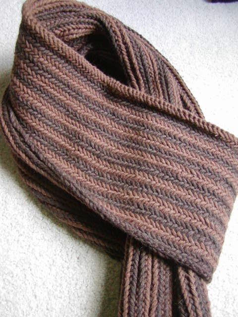 Knits Men Want: Reversible Herringbone Scarf