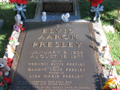 Elvis Presley Dead On Toilet Elvis presley, snoopy creator