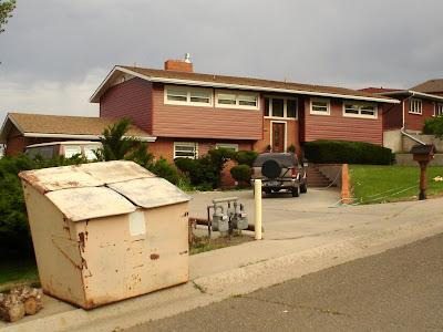 garbage dumpster, Thermopolis, Wyoming