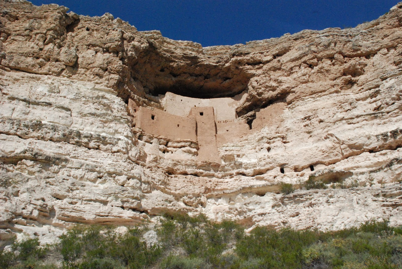 montezuma castle Arizona's montezuma castle national monument, a sinagua cliff house includes montezuma well and photos, climate, history, hiking, with links & mileage guides to.