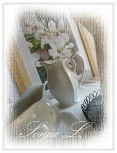 Bílý porcelán