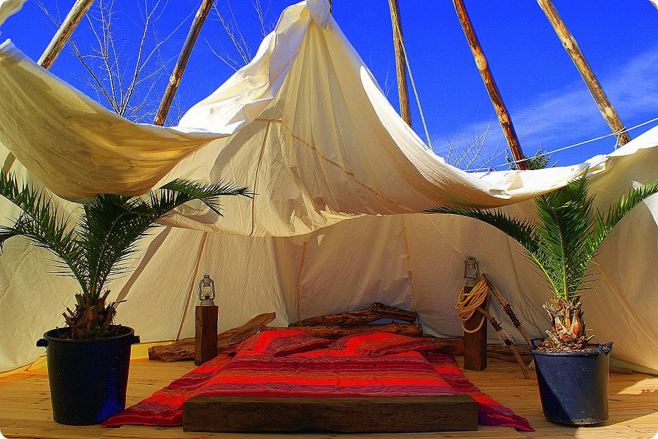 vacances et week end en tipi. Black Bedroom Furniture Sets. Home Design Ideas