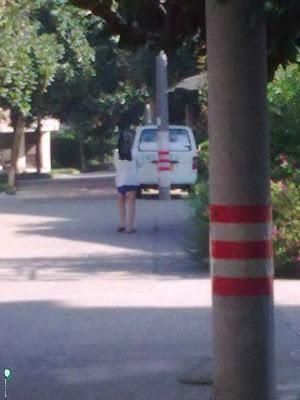 爆笑!街上發現長腿美女