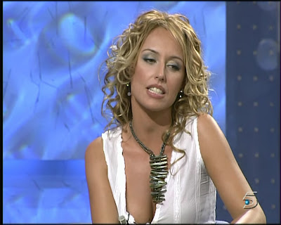 Paula Vazquez Marcando Pezones En Fama