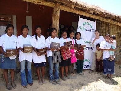 AGEL CARES ajuda a crianças em México. Untitled
