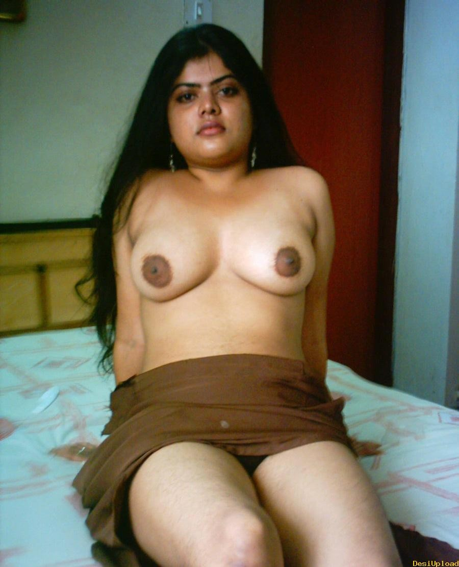 Desi Aunty In Dressing Room
