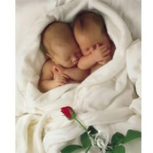 5 faktor yang bisa menyebabkan hamil kembar !! yang pengin