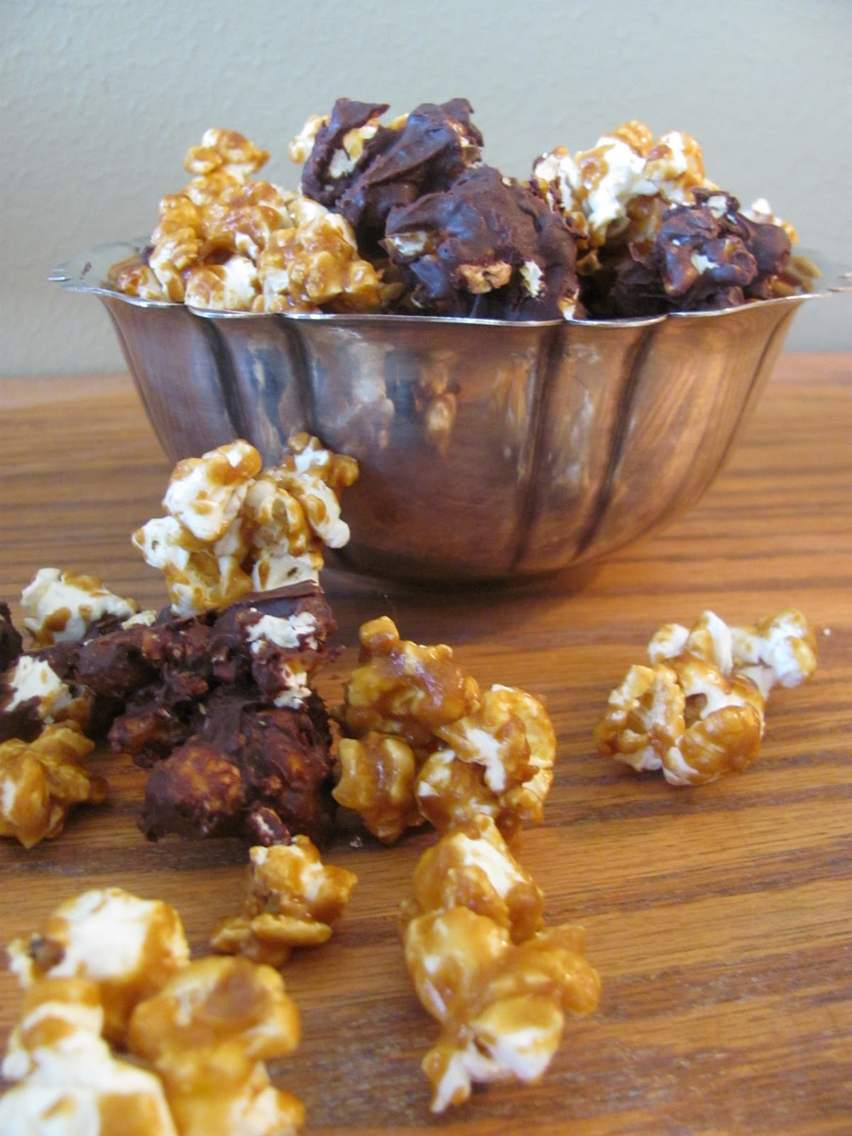 Growing Gourmets: Chocolate Almond Caramel Corn