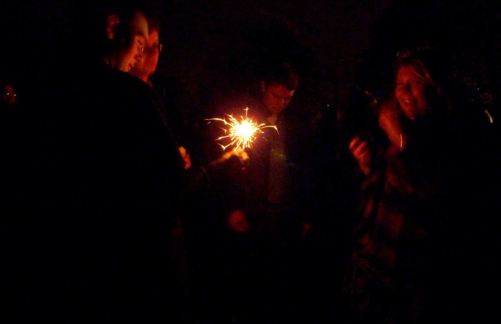 http://1.bp.blogspot.com/_3twvXJ1r1v0/TNcglG4YufI/AAAAAAAAAHc/pF58JoCNQkg/s1600/Guy+Fawkes+Bonfire+Night+020-1.JPG