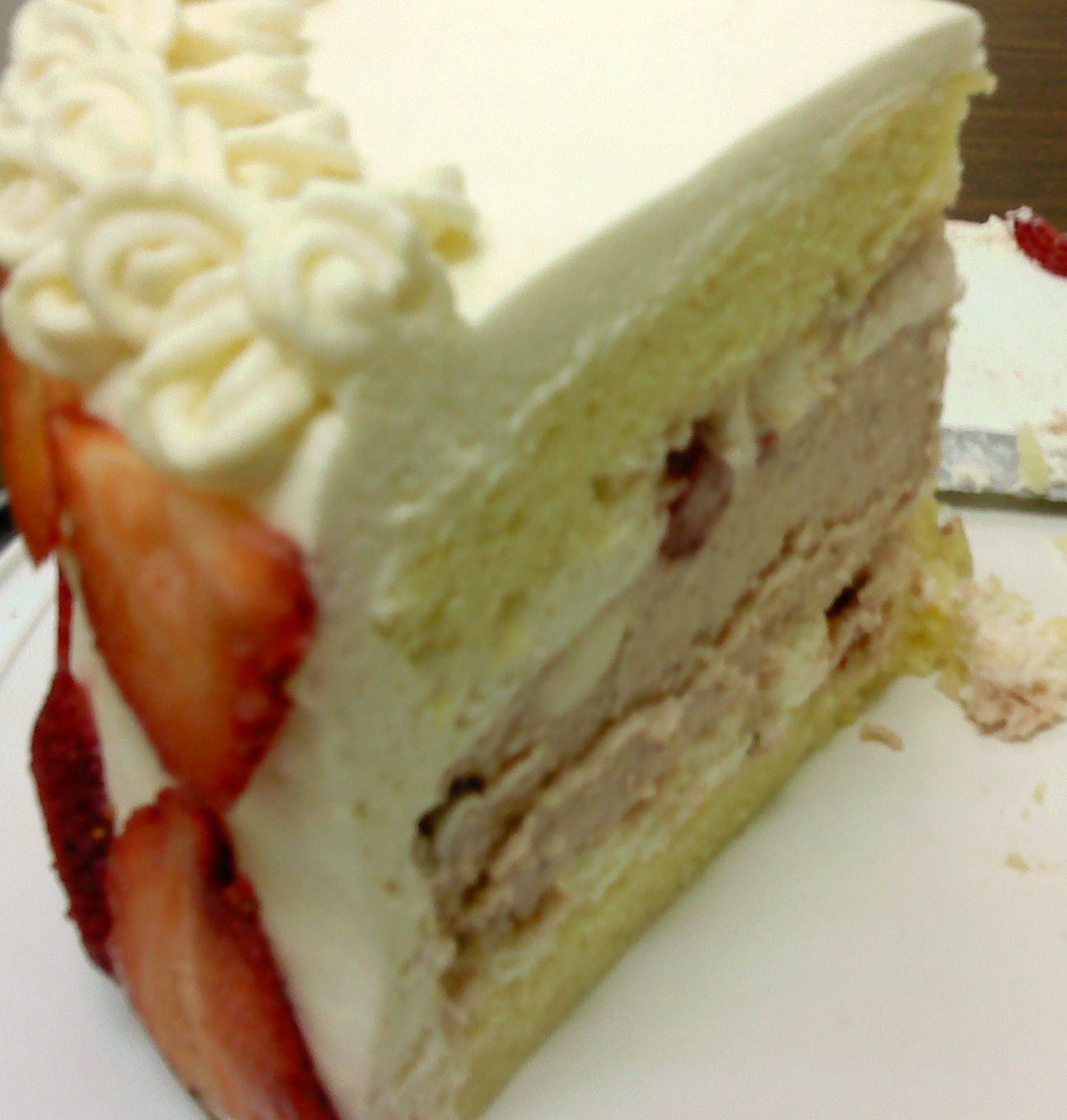 Cakes, Sweets and All Things Bonn Boni: strawberry cheesecake in cake ...
