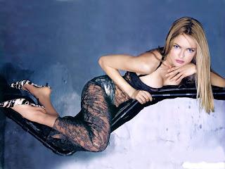 Heather Graham sexy woman