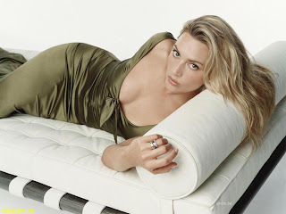 Kate Winslet hot wallpaper