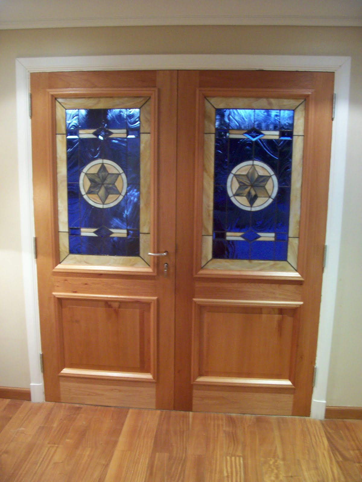 Guti rrez muebles dise o puerta principal for Muebles torres y gutierrez