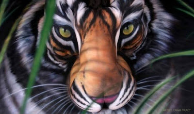 Body Paint de un tigre