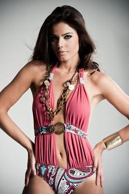 Luciana Reis wins Miss World Brazil (Miss Mundo Brasil) 2009