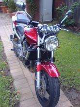 Honda Hornet 900 2005.