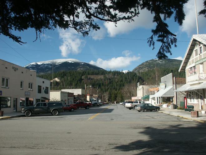 Metaline Falls town scene