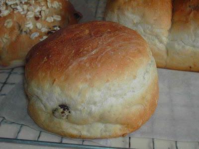 Blessed Homemaker: Light Oat Bread