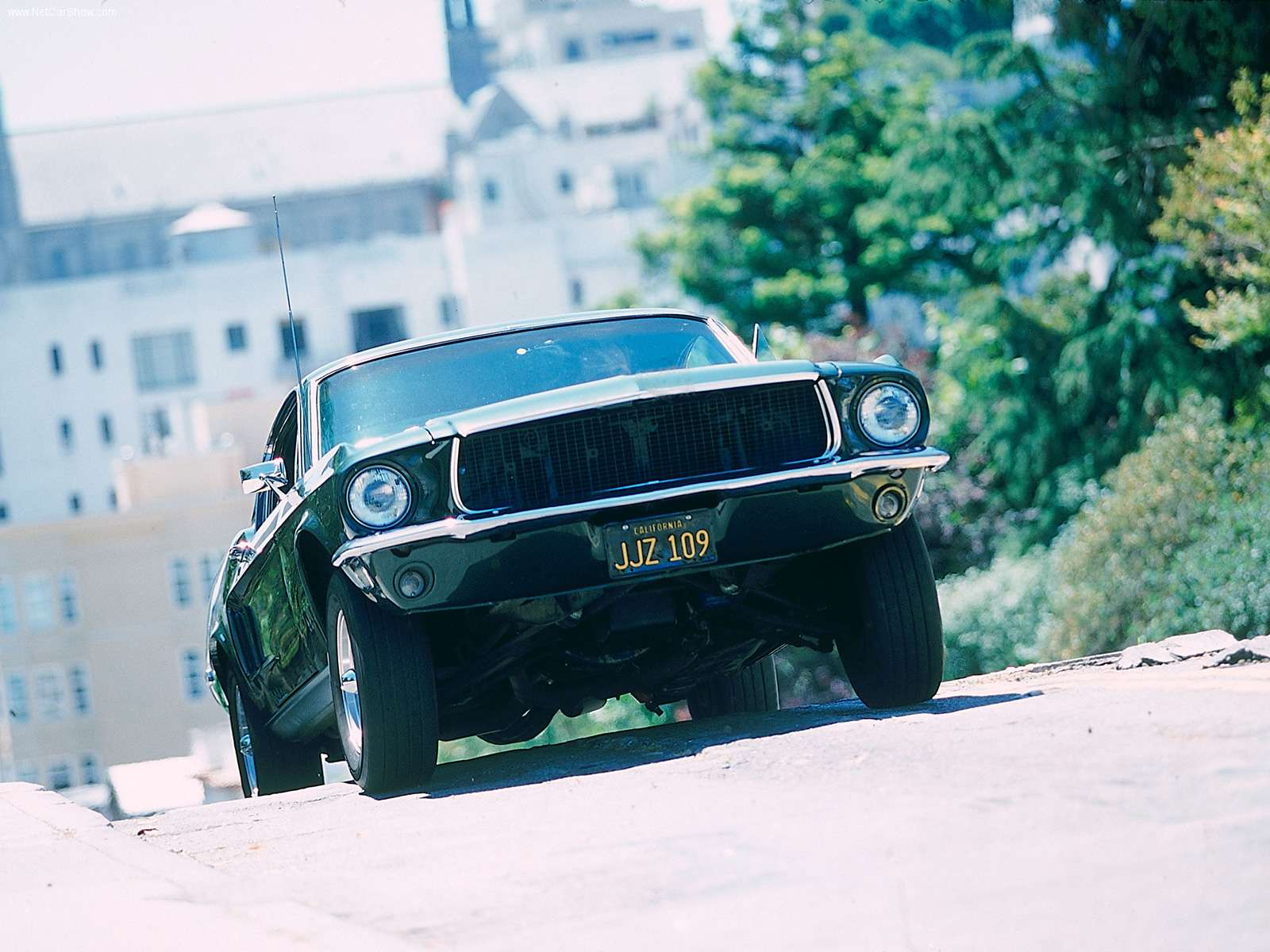 http://1.bp.blogspot.com/_4-yBZr5goc4/TRZ80YjevgI/AAAAAAAAAyw/ALaivCymtY0/s1600/1968_Mustang_Bullitt_Fastback.jpg