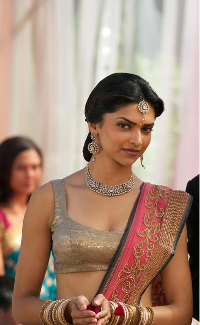 India Fashion Week: Look of the Week - Deepika Padukone