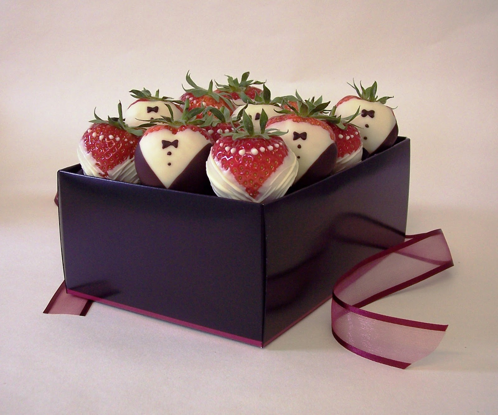 Strawberries and Chocolate Anyone?? - Asian Wedding Ideas