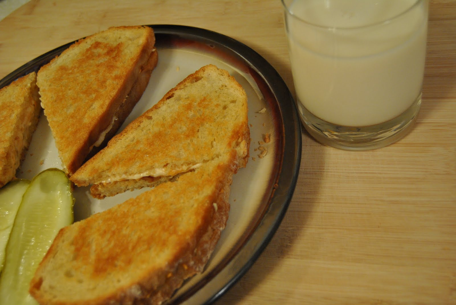 Your Mom's A Vegan: Roasted Garlic Grilled Cheese Sandys