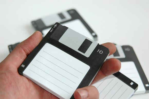 http://1.bp.blogspot.com/_42nL05s3A-8/S_Hh9kS3wmI/AAAAAAAACtI/6TZlKyh1JpU/s1600/Diskit-Sticky-Notes_1.jpg
