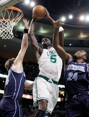 kevin garnett dunking on lebron james. lebron james dunking on
