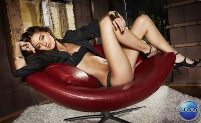 Caroline D' Amore Hot