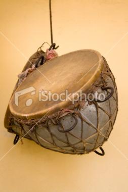 ist2_6619956-indian-drums.jpg