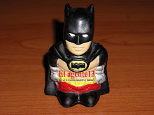 BATMAN , MUÑECO DE GOMA ENANO.