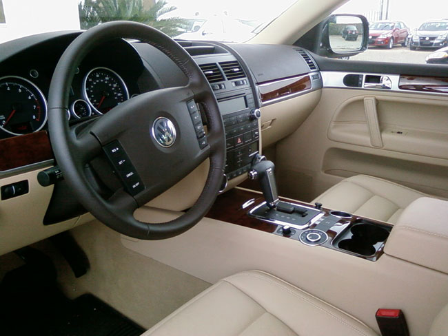 Volkswagen-Touareg-Interior