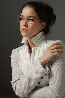 59f7aafe4a949 A bela Patrícia Werneck é a estrela da campanha dos óculos Jean Monnier,  fabricados pelas empresas Tecnol e Sorel (Grupo Tecnol).