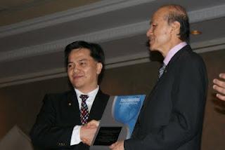 [TS+LLT+C+L+award.JPG]