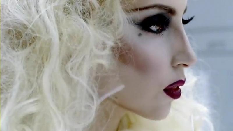 http://1.bp.blogspot.com/_4DBjSzXYADc/S6pxciHuggI/AAAAAAAAAAM/5z8_1ihuELk/s1600/lady-gaga-bad-romance-official-video-6.jpg