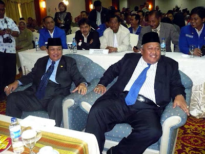 Thamsir-Taufan - Riau Governor and the Vice-Governor Candidate