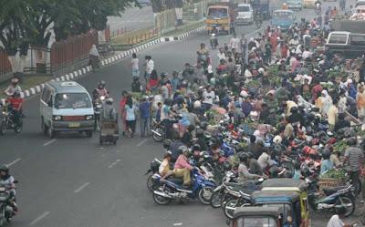Like a-Flood -  A Market in Agussalam Street Pekanbaru II