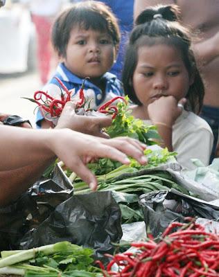 Thinking - Riau Little Girls