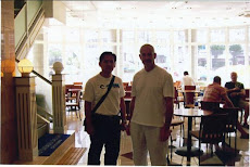 bersama sensei ERNIE MOLYNEUX, (8TH DAN) IOGKF England (EGKA) Chief instructor