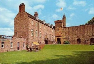 Airlie+Castle+Angus+Scotland.jpg