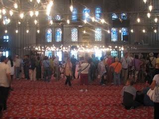 bluemosquevisitors Gambar2 Pencemaran Masjid di Dunia   Termasuk Syeikh Azhar!