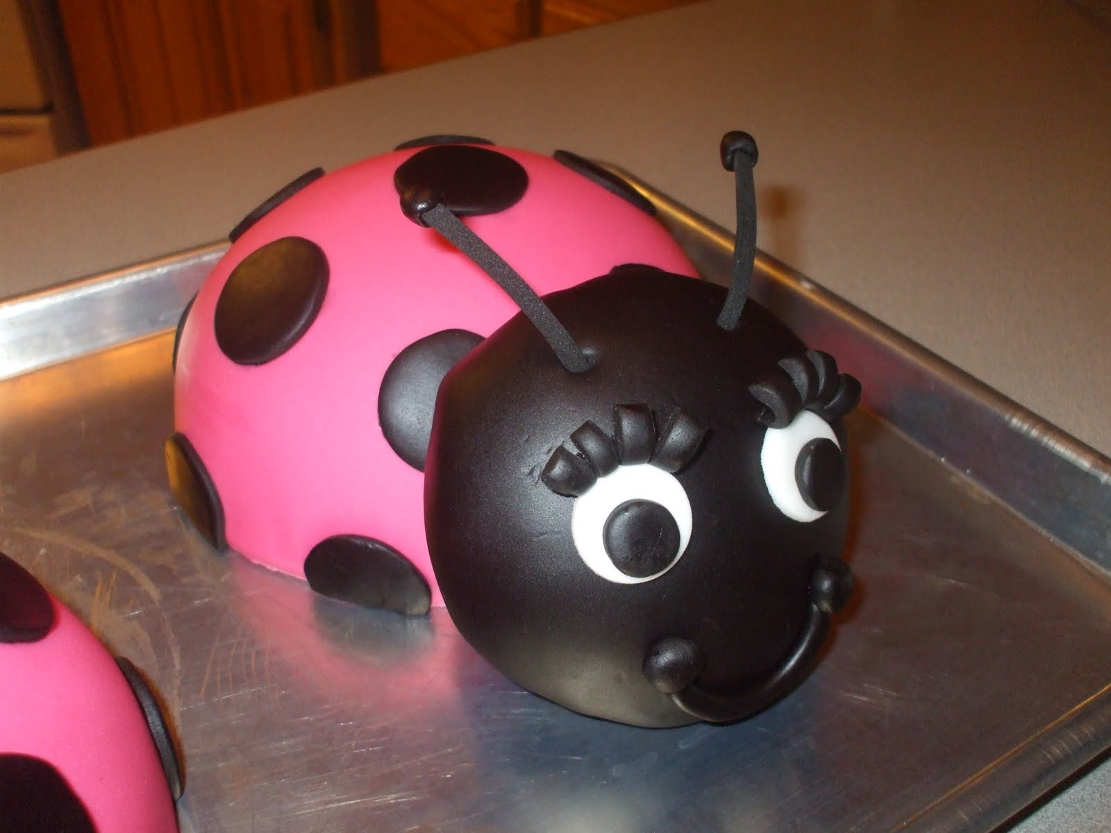 The Simple Cake: Hot Pink Lady Bug Cakes
