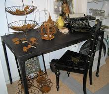 Svart metallskrivbord med nitar från House Doctor