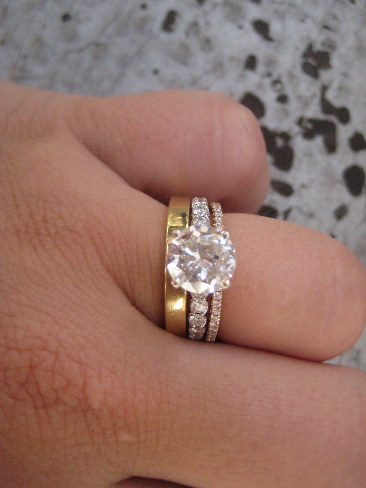 How To Wear Wedding Ring Set Wedding Ideas