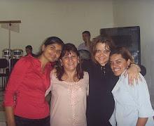 Entre amigas no dia da Vigília no Monte