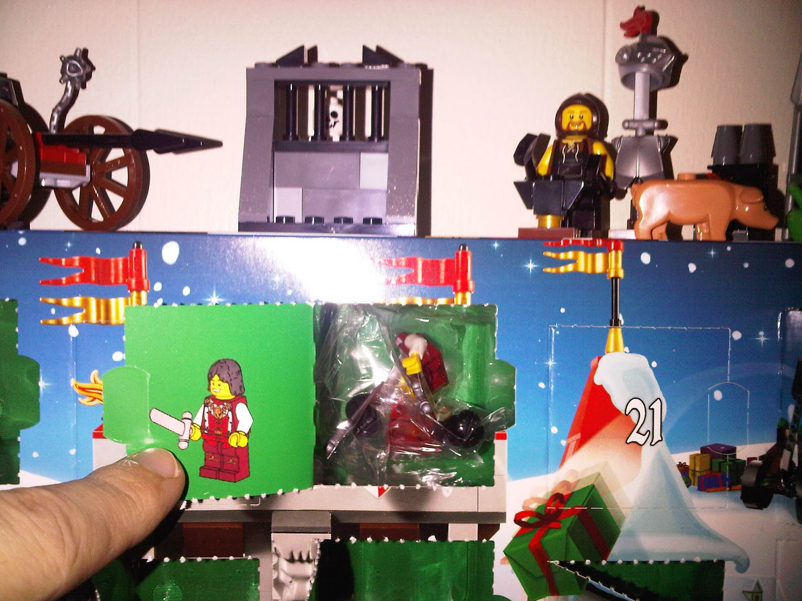 Gramblor 39 s lego advent blog 2010 kingdoms day 13 oh holy knight - Knights of the round table lego ...