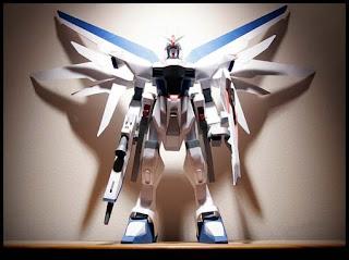Life-size Freedom Gundam Papercraft